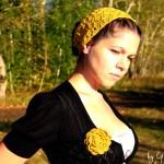 Вязаная повязка на голову Золотая осень.jpg