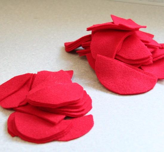 Декоративная подушка с цветком своими руками (6)