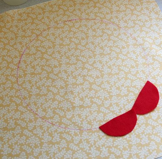 Декоративная подушка с цветком своими руками (7)