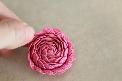 розы из тесьмы (5)