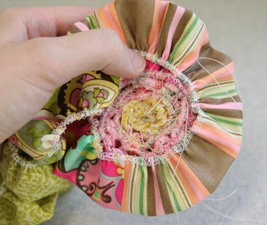 цветок из ткани своими руками