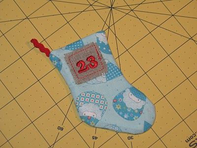 Новогодний календарь с носочками (18)