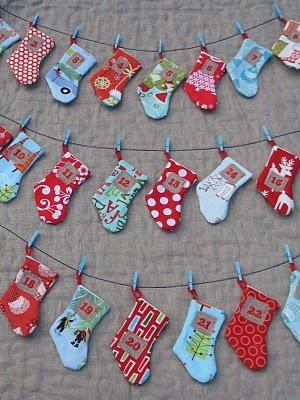 Новогодний календарь с носочками (24)