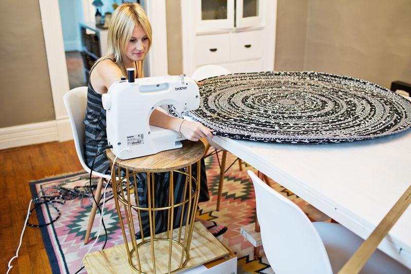 Сшить коврик из ткани своими руками