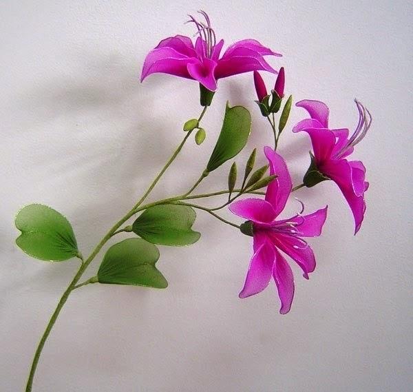 Соберите цветы, расположив по отдельности каждый цветочек на веточке