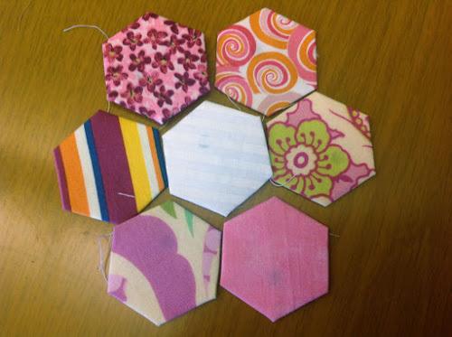 Изготовьте нужное количество шестиугольников