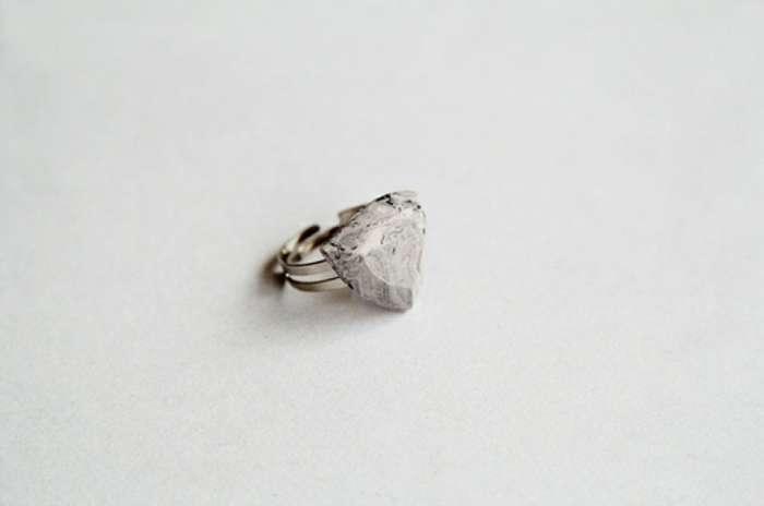 Кольцо из искусственного мрамора