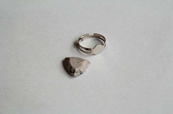 Камень и основа для кольца