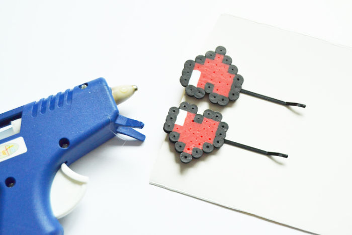 8-bit-heart-hairpins-4