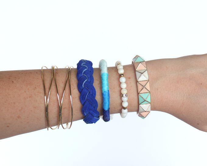 Thread-wrapped-bracelet-ombre-blue-@linesacross