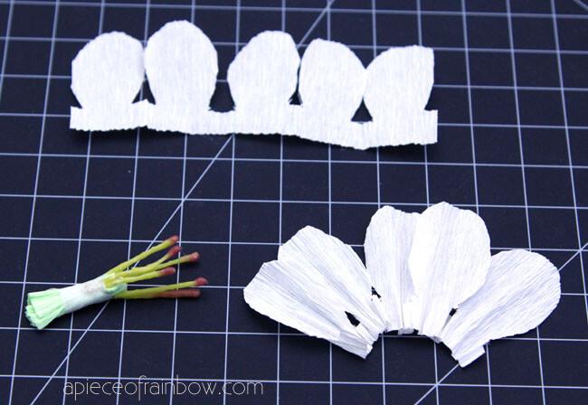 Сделаем сердцевину вишневого цветка из бумаги
