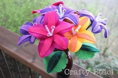 красочные цветы из фетра