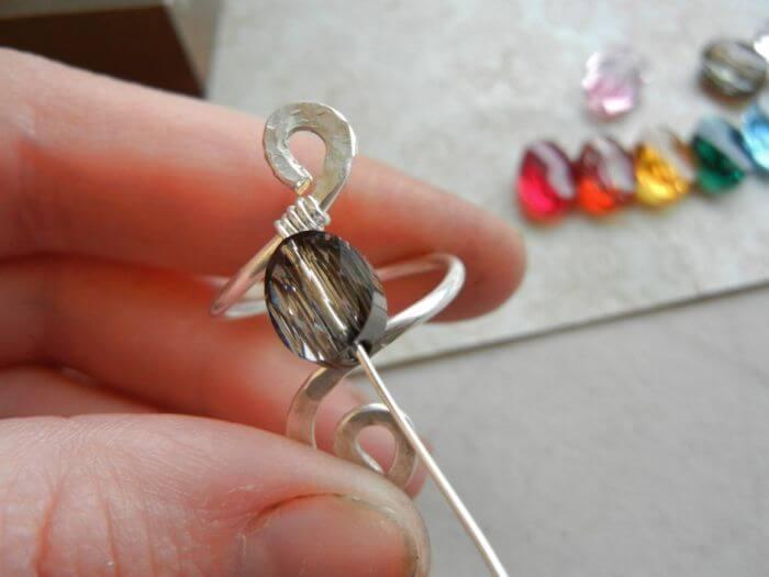 Нанизывание камня. Кольцо одинарное