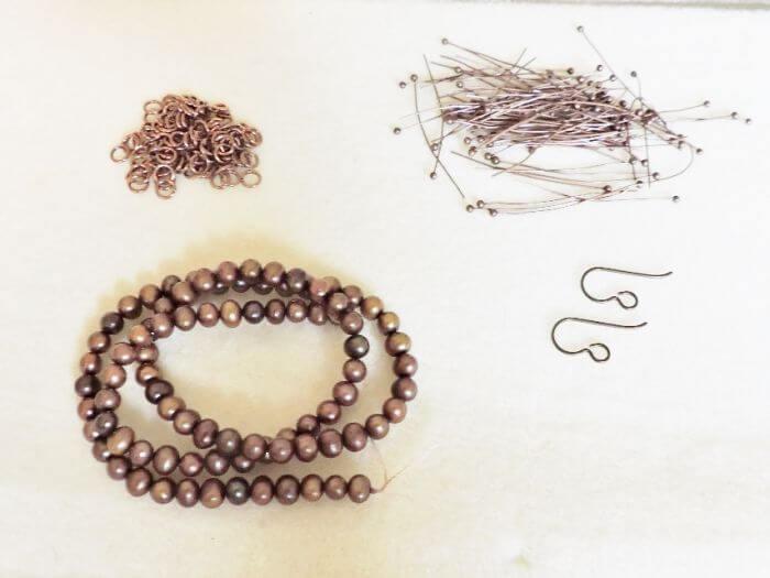 Жемчуг, кольца, шпильки и швензы