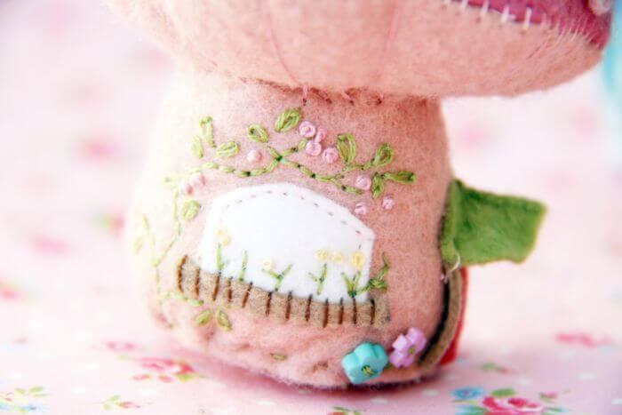 розовый грибок пример