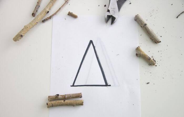 Наносим на бумагу форму украшения