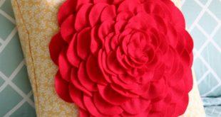 Декоративная подушка с цветком своими руками