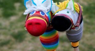 Лошадка из носка для ребенка