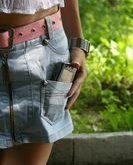 Легким движением руки джинсы превращаются… в юбку!
